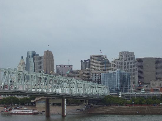 اضغط على الصورة لعرض أكبر  الاســـم:newport-on-the-levee.jpg المشاهدات:6 الحجـــم:31.3 كيلوبايت الرقم:19305
