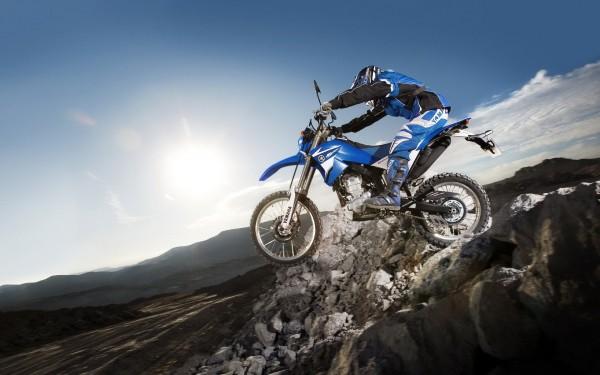 اضغط على الصورة لعرض أكبر  الاســـم:off-road-motorcycle-600x375.jpg المشاهدات:18 الحجـــم:50.4 كيلوبايت الرقم:24151