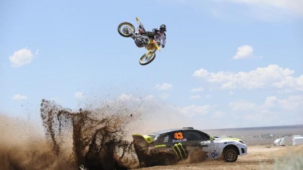 اضغط على الصورة لعرض أكبر  الاســـم:off-road-competition-car-motorcycle-sport-600x337.jpg المشاهدات:16 الحجـــم:40.0 كيلوبايت الرقم:24152