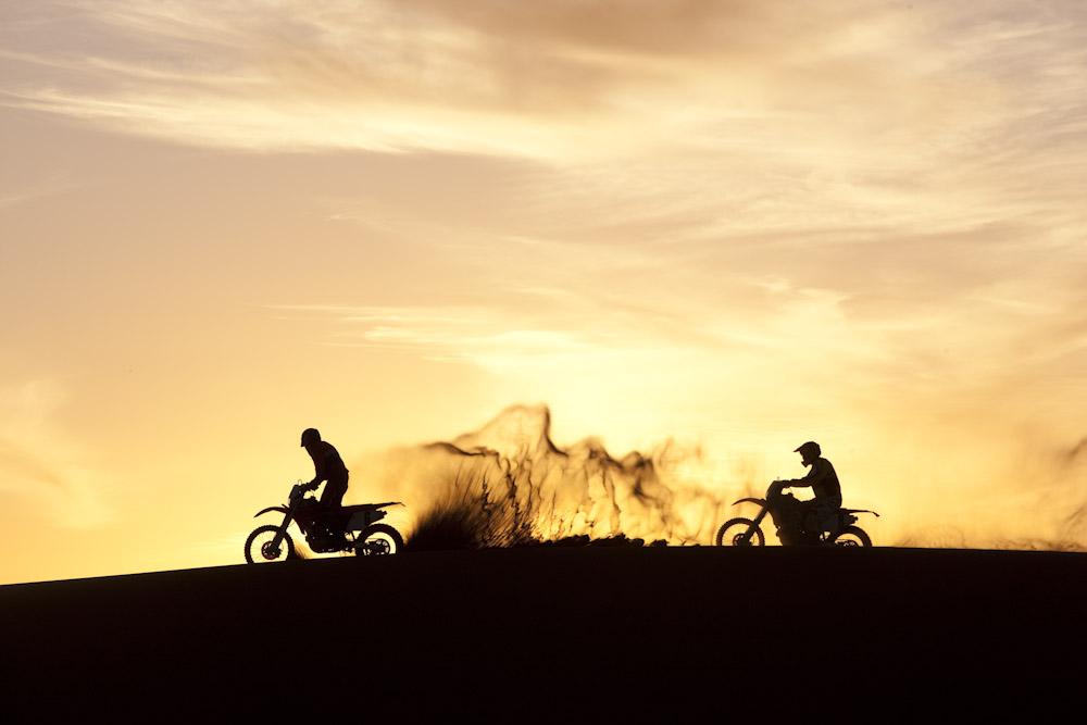 اضغط على الصورة لعرض أكبر  الاســـم:motorcycle4.jpg المشاهدات:14 الحجـــم:87.2 كيلوبايت الرقم:24153